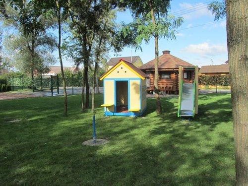 Самодельный детский домик из фанеры