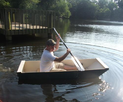 Простейшая лодка из фанеры