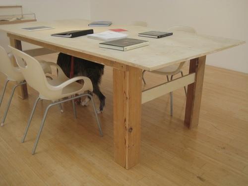 Книжный столик из фанеры